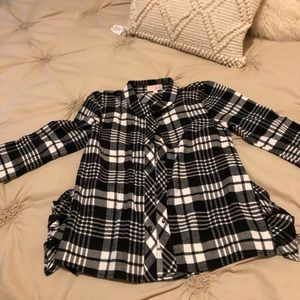 Plaid, flannel little girls shirt size M.
